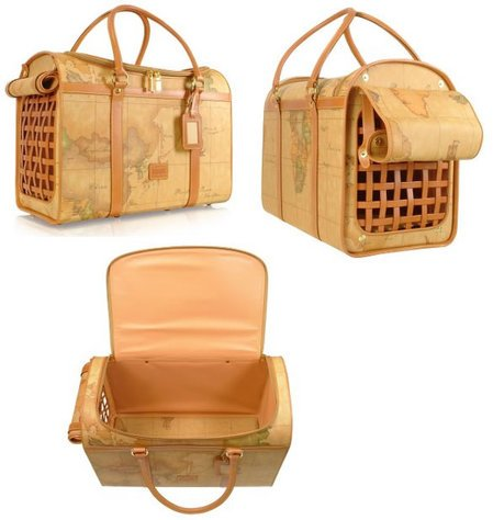 Alviero-Martinis-pet-carrier-thumb-450x474