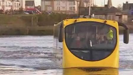 Amphibious_Bus