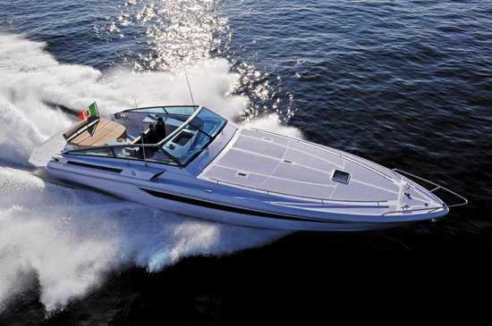 B50_yacht2-thumb-550x365