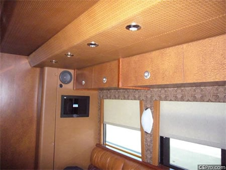 Bb King Travels In 1 4million Hi Tech Tour Bus