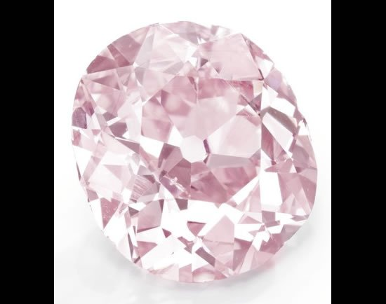 Belle-Epoque-Cushion-Cut-Fancy-Vivid-Purplish-Pink-Diamond-Ring