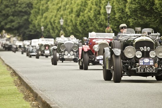 Bentley-extravaganza-5-thumb-550x366