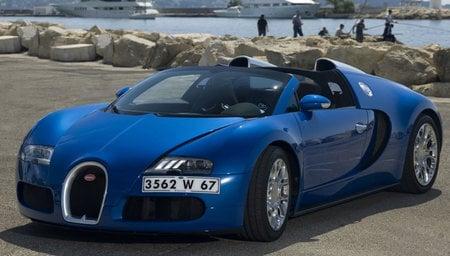Bugatti_Veyron-thumb-450x256