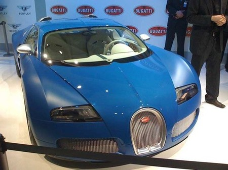 Bugatti_Veyron_Bleu_Centenaire-thumb-450x337