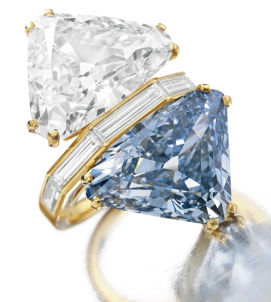 Bulgari-Blue-ring-thumb-550x612