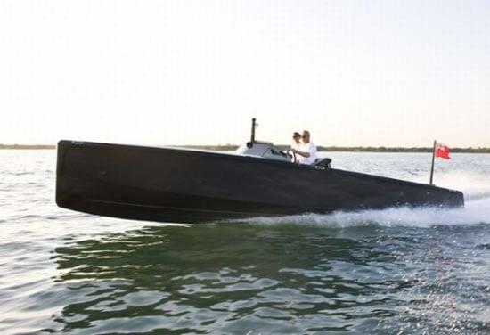 C-12_carbon_fiber_yacht