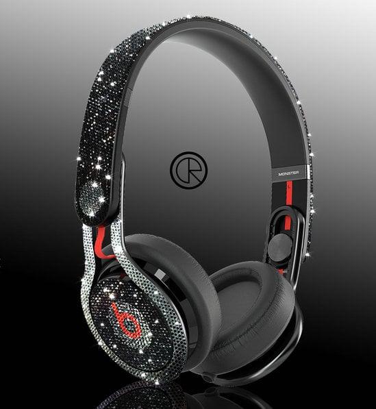 Dr-Dre-Mixr-headphones-1-thumb-550x597