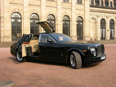 EDAG_Rolls-Royce_1-thumb-450x337