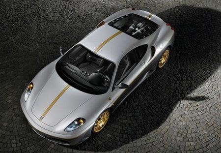 Ferrari_F430_1-thumb-450x311
