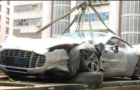First Aston Martin One 77 Is Wrecked In The World S Most Expensive