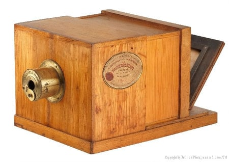 A Rare 170 Year Old Giroux Daguerreotype Camera To Go Under The Hammer