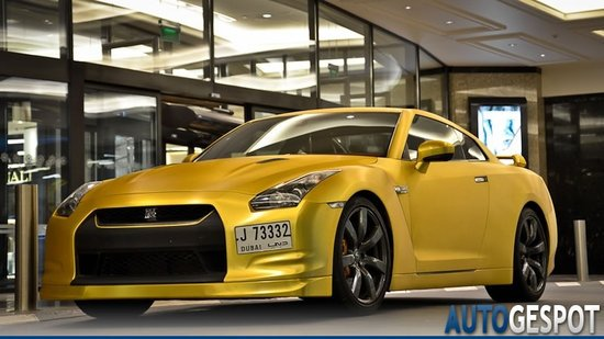 Gold-plated-Nissan-GT-R-1-thumb-550x309
