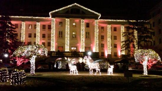 Greenbrier-Christmas-lights-exterior-night