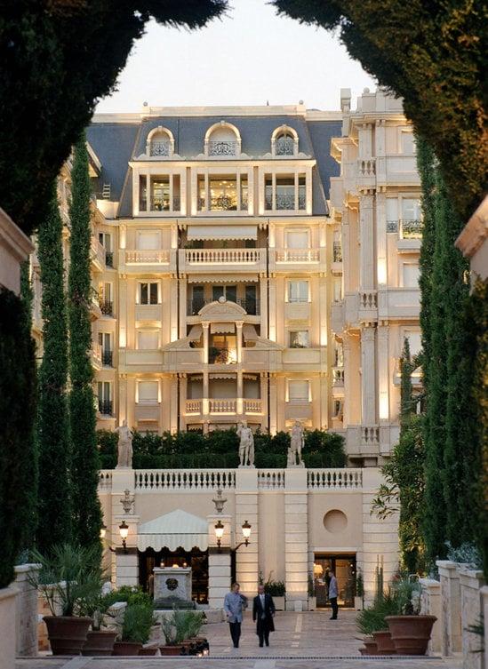 Hotel-Métropole-1-thumb-550x753