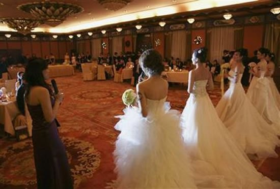 Young women schooled to woo billionaires in China : Luxurylaunches