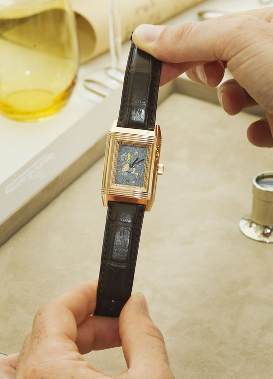 Jaeger-LeCoultre_presents_Reverso_by_Zep_6-thumb-550x762