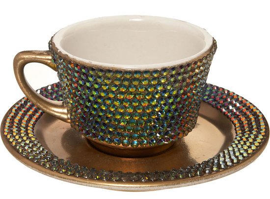 Lady-Gagas-Swarovski-Teacup-1-thumb-550x406