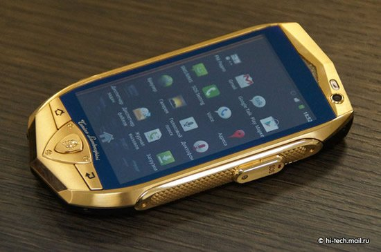 Lamborghini launches gold plated cell phones and a tablet for Mobile telefono