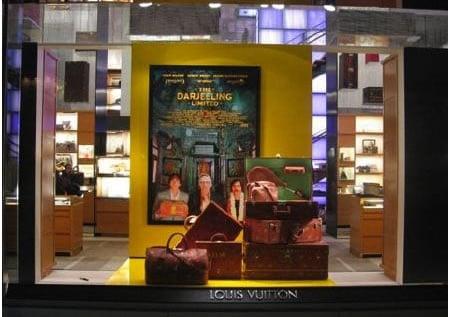 Louis_Vuitton_luggage_1
