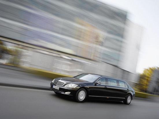 Mercedes-Benz-S600L-Pullman-6-thumb-550x412