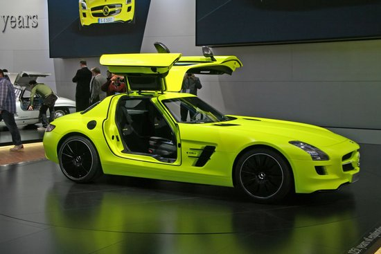 Mercedes-SLS-AMG-E-Cell-Supercar-2-thumb-550x367