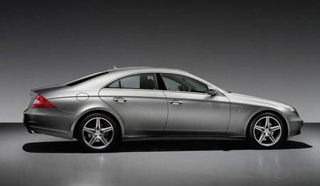 Mercedes_Benz_CLS_3-thumb-450x262