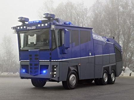 Mercedes_Benz_WaWe_10-thumb-450x337