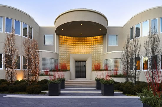 Michael_Jordan_Chicago_mansion