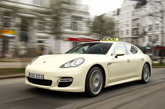 Most-Luxurious-Taxis-Porsche-Panamera-1