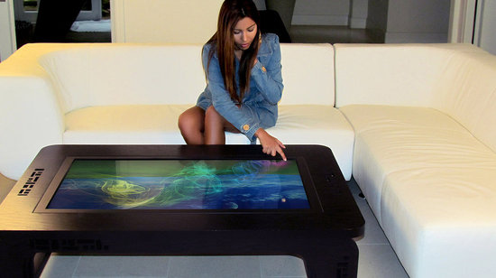 Mozayo-multi-touch-tables-5-thumb-550x308