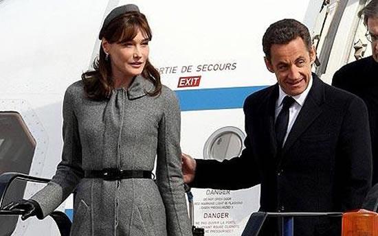 Nicolas-Sarkozy-Air-Sarko-One-1