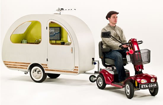 QTvan, the world's smallest caravan comes with a bed, TV ...