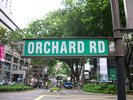 Orchard_Road_street_Singapore-thumb-550x412