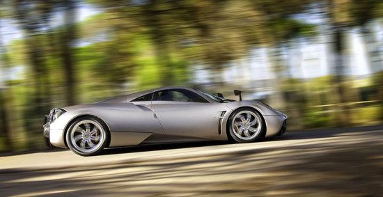 Pagani Huayra Supercar Succeeds The Zonda With Gullwing Doors