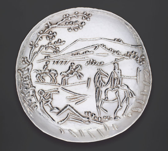 Picasso_silver_plates_sculpted-thumb-550x495