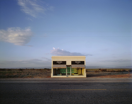 Prada_store_in_Texas_1-thumb-450x355