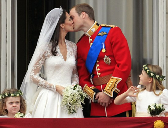 Prince-William-and-Kate-first-kiss