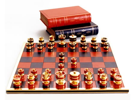 Queen_Silver_Jubilee_Chess_set