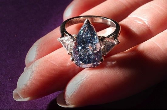 Rare 5 16ct Blue Diamond Gets A Generous New Owner At The