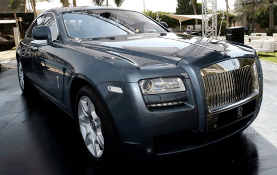 Rolls-Royce-Ghost-displayed-in-Abu-Dhabi