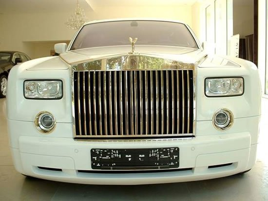 Rolls-Royce-Phantom-Solid-Gold-1