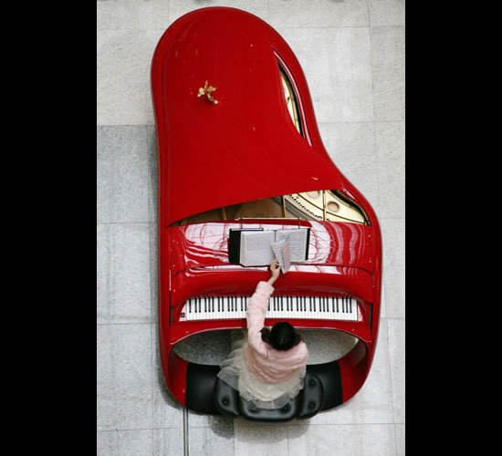 Rolls-Royce Piano Debuts in East China : Luxurylaunches