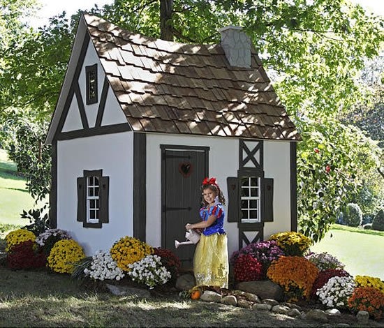 Snow-Whites-Cottage-Playhouse-1