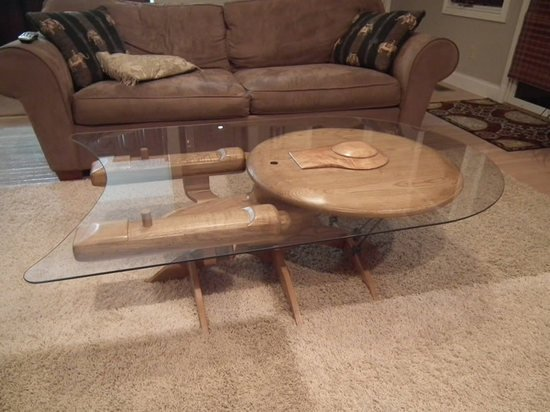 Star_Trek_Enterprise_Coffee_Table-thumb-550x412