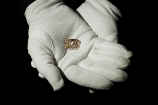 Steinmetz-Forevermark-Jubilee-Pink-Diamond-2-thumb-550x366