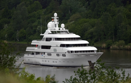 Superyacht-Apoise2-thumb-550x348
