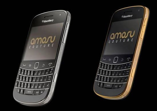 Swarovski-encrusted-Blackberry-Bold-9900-in-Gold-1