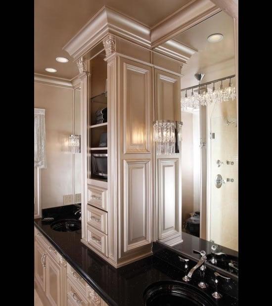 Swarovski-studded-bathroom-2