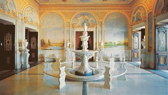 Taj Falaknuma Palace Is An Indian Palace Turned Into A