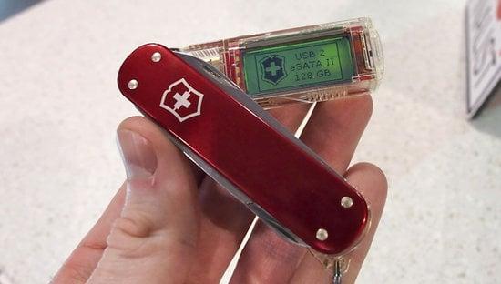 Victorinox_1TB_flashdrive-thumb-550x312